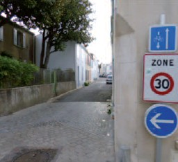 Signalisation pour circulation en zone 30 Photo V.I.E.