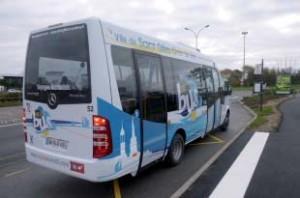 Premier départ du Gillo Bus au rond-point de l'Europe (20 déc. 2014)  Photo V.I.E.