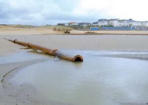 Point de rejet des sédiments dragués dans le port de St Gilles Croix De Vie  (photo V.I.E.)