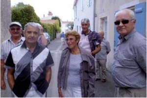 Visite de découverte des pierres de lest dans le vieux Saint Gilles (photo V.I.E.)